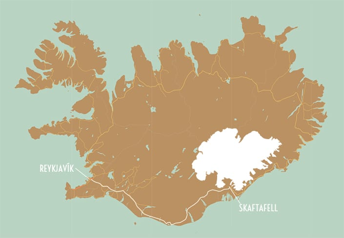 a simple map of iceland showing the way between skaftafell and reykjavik